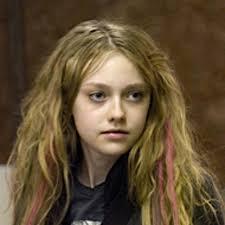 dakota fanning wavy hair 150x150 Dakota Fanning Hairstyles - dakota-fanning-wavy-hair