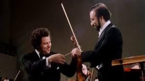 Concert <b>Itzhak Perlman</b> performs the <b>Brahms</b> Violin Concerto ...
