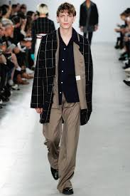 agi sam spring summer 2017 primavera verano menswear trends was the question posed at agi sam s show this morning sam looked to his own childhood drawing inspiration from his father and mother who