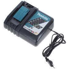 Набор 2 <b>аккумулятора</b> и зарядное устройство <b>Makita</b>, <b>18 В</b> Li-ion ...