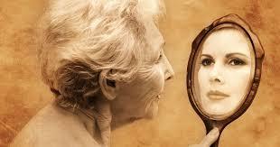 Resultado de imagen de imagen joven en el espejo