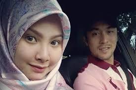 Seperti kebanyakan pasangan lain, bintang bolasepak negara, Khairul Fahmi dan isterinya, Leuniey Natasya turut teruja dengan kehadiran cahaya mata sulung ... - Screen-Shot-2014-02-06-at-11.21.47-AM