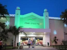 Chegada do Papai Noel abre programação de Natal no River Shopping