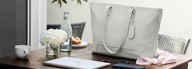 Best HP Laptop <b>Bags</b> for <b>Women</b> | HP® Tech Takes