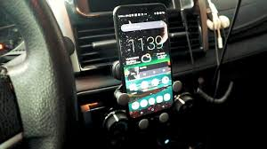 New <b>Universal Gravity Car Phone</b> Mount Review - YouTube