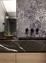 bathroom tiles deeb b salle de bain chic en noir et bois mur imprimac black and wood chic ba