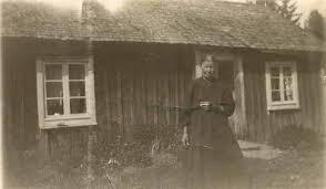Bildresultat för kvinna med sjalett o svart långkjol 1900 talets början