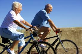 Resultado de imagem para idosos ativos felizes