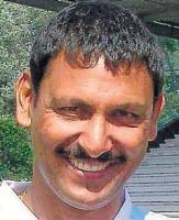 Indian hockey national junior team chief coach Harendra Singh on Monday relinquished his post, quitting the probables camp underway at the Sports Authority ... - 195806_thump