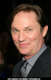Richard Thomas - richard-thomas-01