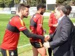 Dursun Özbek derbi sonrası futbolcularını tebrik etti