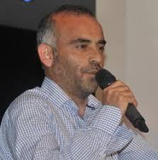 Gecede Tahir Usman tarafından okunan şiir, bazı vatandaşların ağlamasına neden oldu. Trabzon Belediye Başkanı Orhan Fevzi Gümrükçüoğlu ise, Mustafa Cumur'un ... - tahiy-usman-fdd7cba3