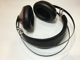 <b>Meze 99 Classics</b> Headphone review | TechHive
