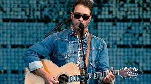 <b>Amos Lee</b> Finds Mighty Inspiration On His New Album : World Cafe ...