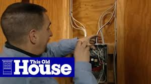 How to Connect a <b>220</b>-Volt Receptacle to a 20-Amp Breaker | This ...