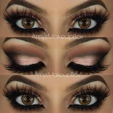 this is absolutely beautiful difficult to go wrong with a clic warm smokey eye and mive lashes love