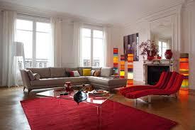 white bathroom red rugs