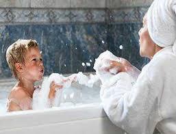 Вопрос к специалисту: можно ли мыть голову <b>детским шампунем</b>?