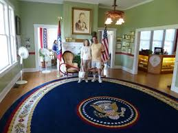 small museum with rug from the oval office bill clinton oval office rug