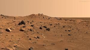 Marte en un desierto seco e inhóspito.