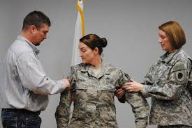 illinois national guard amanda stewart s husband travis left and sister army sgt 1st