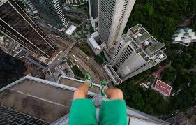 Teen adrenaline junkie scales Hong Kong skyscrapers with no ...