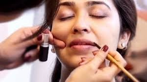 learn how to apply make up for indian skin with this makeup tutorial beauty expert swati gupta teaches you three simple beauty and make up tricks to