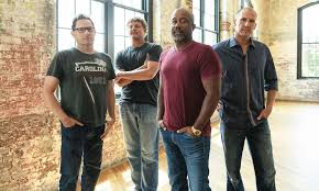 Reunited <b>Hootie</b> & The <b>Blowfish</b> Share New Song 'Rollin'' | uDiscover
