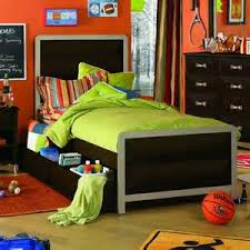 awesome boys room ideas further teen boys football bedroom ideas bedroom furniture teenage boys interesting bedrooms