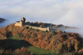 """Résultat de recherche d'images pour """"mont luisandre et ses châteaux"""""""