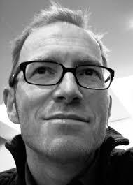 BENNO KAISER (Drums). Geboren 1966 als Benno Schürmann, begann seine Schlagzeugausbildung als Zwölfjähriger und ist seit1982 in einem breiten Spektrum von ... - bka2