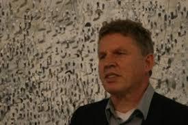 Der 1950 in Zetel geborene <b>Thomas Hartmann</b> zählt zu den bedeutenden <b>...</b> - fittosize_293_0_33340d0cab339f7359a7b38a3bb8949d_thomas_hartmann_kunsthalle_0046