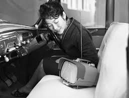 「1960年 - ソニーが世界初のトランジスタテレビ」の画像検索結果