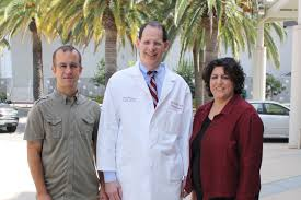 bone defects inspire perfect union between surgeon scientist and one winning team brings together jay r lieberman center a clinical orthopaedic surgeon
