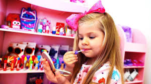 Diana Pretend Play Dress Up and New <b>Make Up</b> toys - YouTube