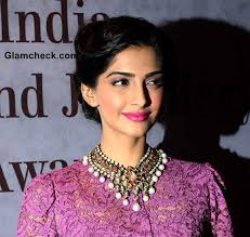 Sonam Kapoor 2013 Hairstyle Makeup - Sonam-Kapoor-2013-Hairstyle-Makeup