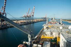 u s department of defense photo essay the container ship mv cape ray enters the medcenter container terminal in gioia tauro