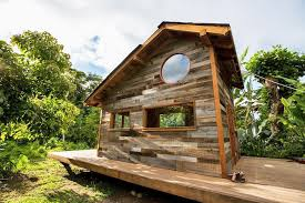 Artist Builds Gorgeous  Sq Ft  House Out of   Pounds of    Architecture