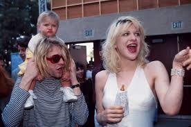 <b>Vetements</b> выпустили <b>футболку</b>-трибьют Nirvana. Кортни Лав ...
