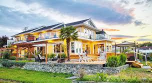 <b>Birds of a Feather</b> Ocean Lagoon Victoria B&B & Vacation Rental ...