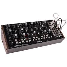 Купить <b>Синтезатор Moog Mother-32</b> в | GadgetLab24 | Интернет ...
