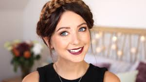 autumn fall makeup gold eyes berry lips zoella