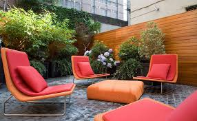 greenwich village townhouse example of a trendy backyard patio design in new york balcony furniture miami