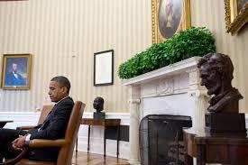 oval office furniture filebarack obama with oval office artjpg fileobama oval officejpg