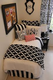 1000 ideas about red bedroom decor on pinterest red bedrooms red and black bedding and orange bedroom decor bedroombreathtaking stunning red black white