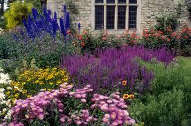 15 <b>Summer Flower</b> Garden Border Ideas