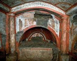 Risultati immagini per foto delle catacombe di roma