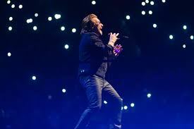On tour with <b>U2: How</b> the iconic band is using new tech to make its ...