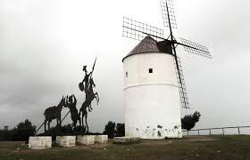 Resultado de imagen de estatua moderna de don quijote