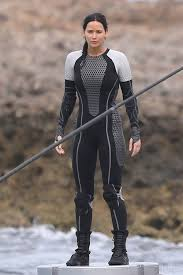 jennifer lawrence filming katniss platform scenes in oahu loving jennifer lawrence filming katniss platform scenes in oahu loving the arena